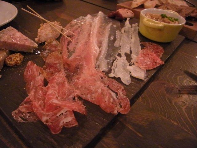 パンと料理の極上コラボ。吉祥寺駅近の路地裏一軒家レストラン