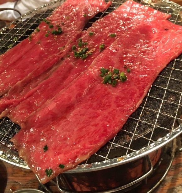 てんこ盛りお肉盛り+ご飯おかわり自由!板橋本町の大衆焼肉『時楽』