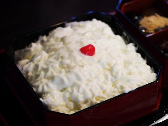 モチーフは幕の内弁当!日替わりおかず付きの超斬新なかき氷