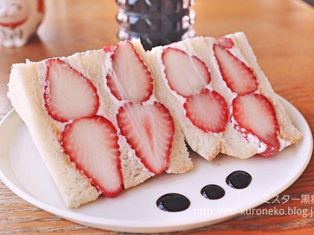「いばらキッス」は今だけ!いちごサンドとパンケーキが絶品の人気カフェ