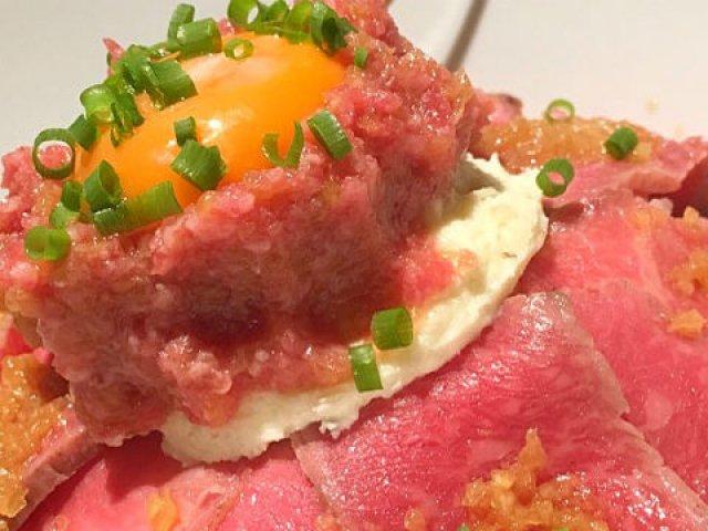 デカ盛りのWローストビーフ丼が千円!人気焼肉店が贈る渾身のお得ランチ