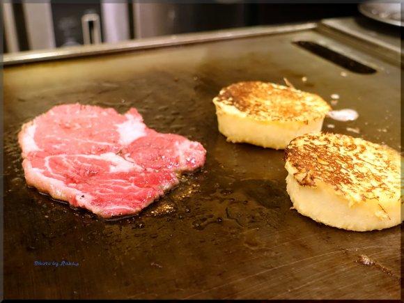 渋谷神南にオープン!調理の様子が間近で見られる「フレンチバーガー」