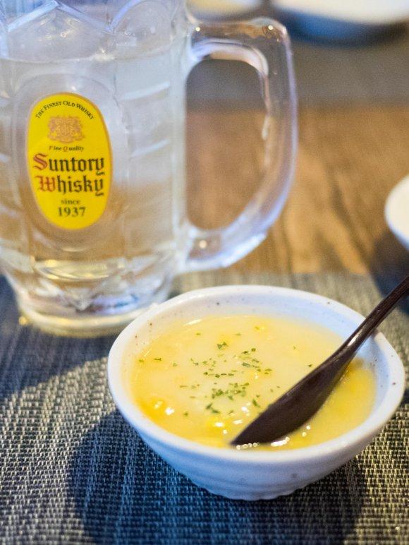 「鶏白湯らーめん」は必食!酒のつまみもレベルが高い、飲めるラーメン屋