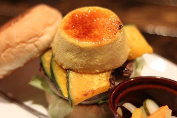 今月しか食べられない!「カボチャ」づくしの超個性派ハンバーガー4選