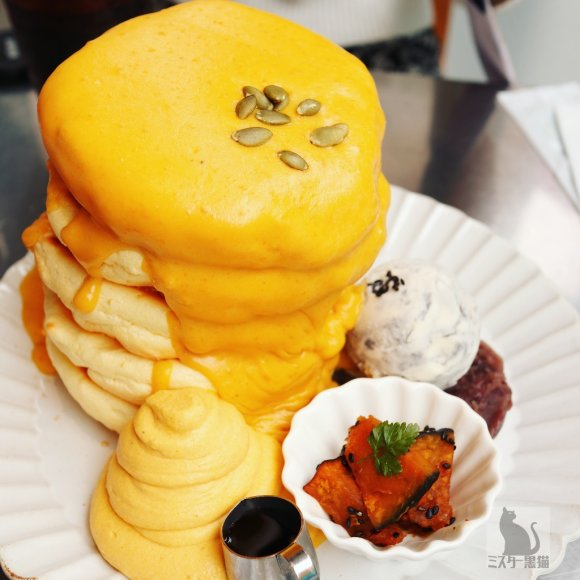 5段重ねのパンケーキタワーもOK!原宿の人気店のかぼちゃパンケーキ