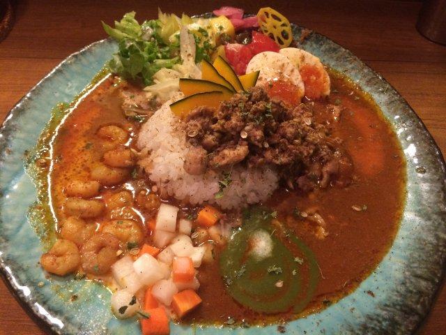 大阪一美しい芸術的なスパイスカレー!味も香りも極上の一皿