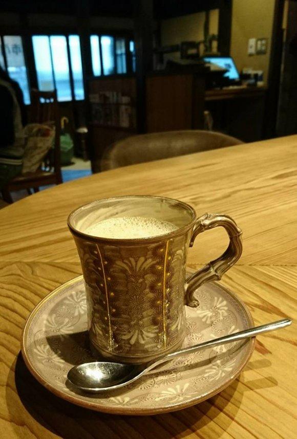毎月通いたくなる!京町家の珈琲店でときめく「季節のフルーツサンド」