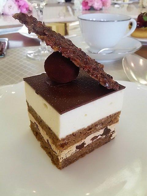 新作スイーツが登場!目黒雅叙園で味わう、素材を活かしたモダンなケーキ