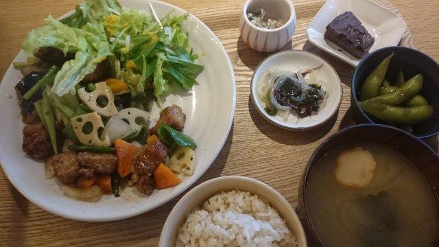 野菜がたっぷりでメニューも豊富!栄養士さんが手がけるヘルシーランチ