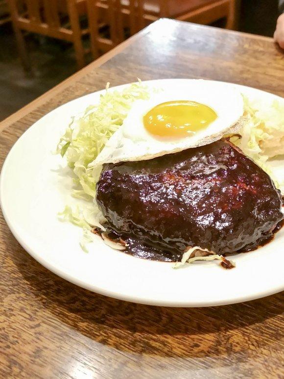 「令和」になっても色褪せない!「昭和」の香り漂う老舗洋食店の名物料理