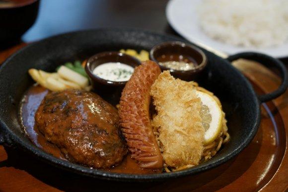 手ごねハンバーグが自慢!美味しいメニューが豊富な老舗洋食屋