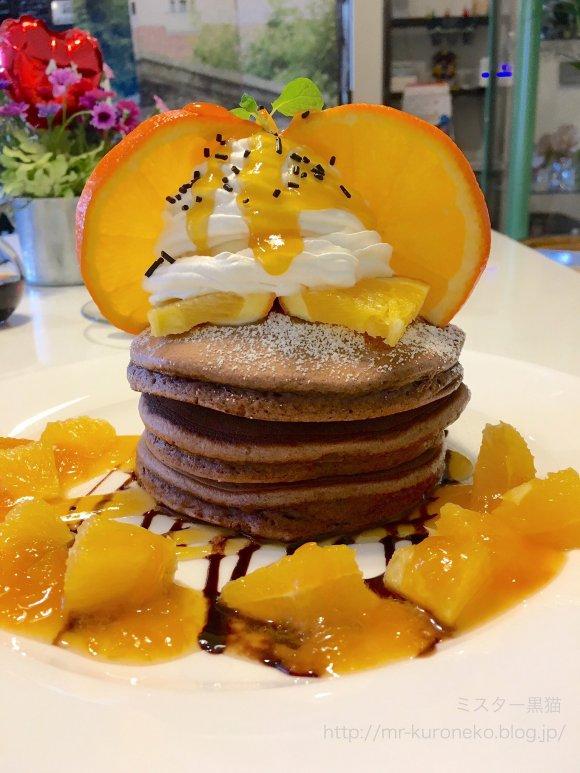生地がしっとりふわふわ!オレンジとショコラの新作パンケーキ
