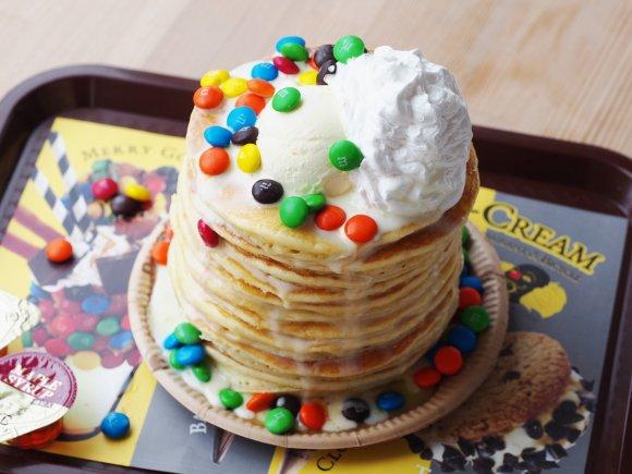 最大で100枚も!自分好みのパンケーキタワーが作れるパンケーキ専門店