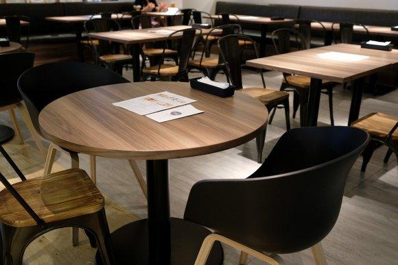 朝11時から豪快なハンバーガーとクラフトビールを!博多駅直結の新店