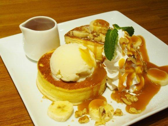 実力店が勢揃い!スイーツ好きが選ぶ大阪のパンケーキ記事6選