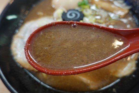 感動を覚えるレベルのとんこつスープ!今年1月にオープンした尼崎の新星