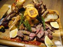 総重量2.9kgの肉盛り!29の日は秋葉原「肉ソン大統領」に行くべき