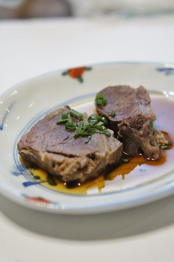 フワフワで肉汁溢れる!定食通が20年以上愛す絶品ハンバーグ