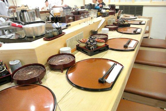 天丼もTKGも自由自在!職人が揚げる天ぷらが千円以下の超お得定食