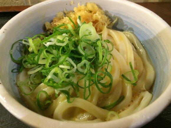 安い・早い・美味い!本場の讃岐うどんを新宿で「東京麺通団」