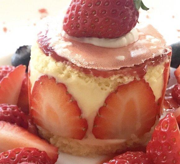 いちご好きには絶対食べてほしい!美しすぎる極上いちごケーキ