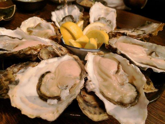 東京で牡蠣料理が美味しい5軒!牡蠣専門店や食べ放題に生牡蠣食べ比べも