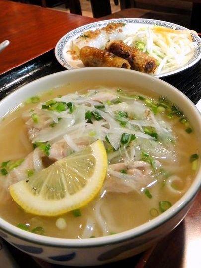 食欲の秋が来る前に!夏の疲れを労わるあっさりベトナム麺を