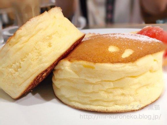 超極厚でふわっふわ!濃厚なめらか生地が絶品のリコッタチーズパンケーキ