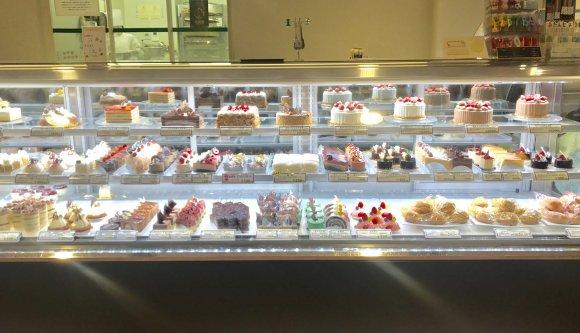 このボリュームがちょうどいい!人気ケーキ店のプチケーキバイキング