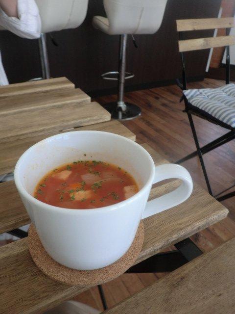 リピーター増加中!地元民に愛されるふわとろオムレツが美味しいカフェ