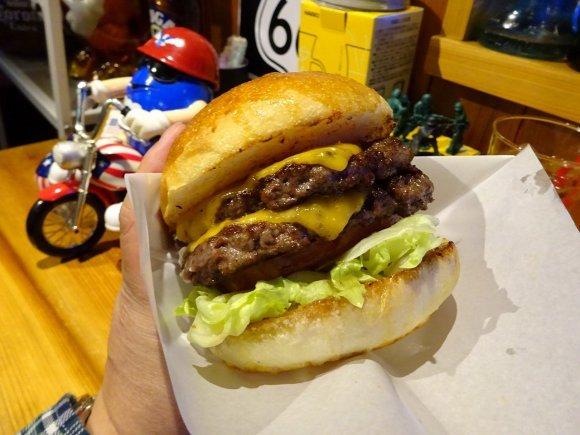 ファストフードから超進化!関西で出会える極上グルメハンバーガー8記事