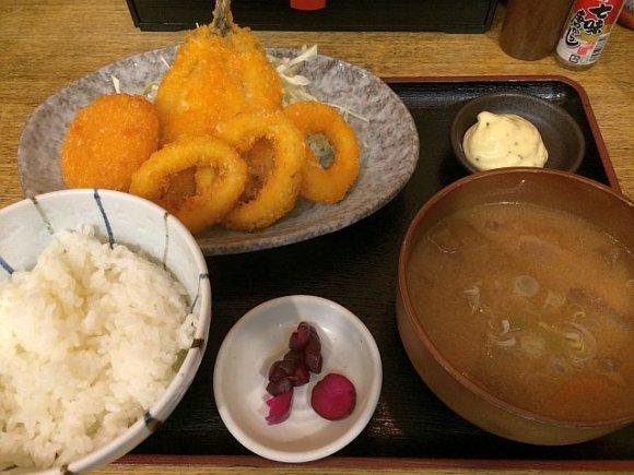 明日のランチは定食で決まり!唐揚げから焼き魚まで定食7記事