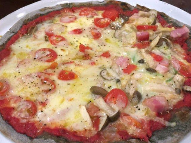 10年続くのも納得の味!魚介料理とピザに自信ありの隠れ家イタリアン