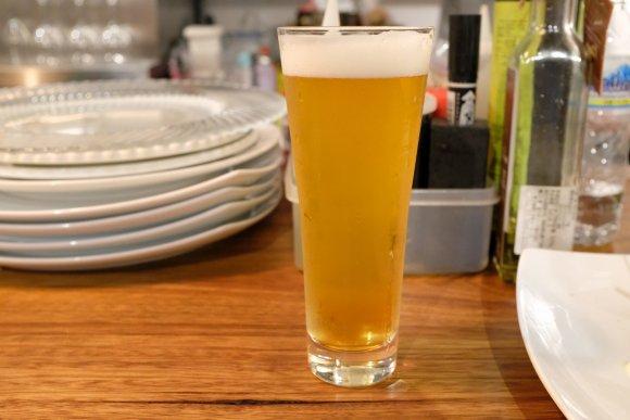 リーズナブルなおつまみが豊富!クラフトビールが飲めるピンチョスバル
