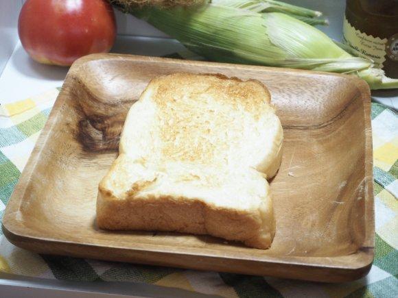 この食感。初!サクふわ生地で違いを見せつける注目の高級食パン専門店