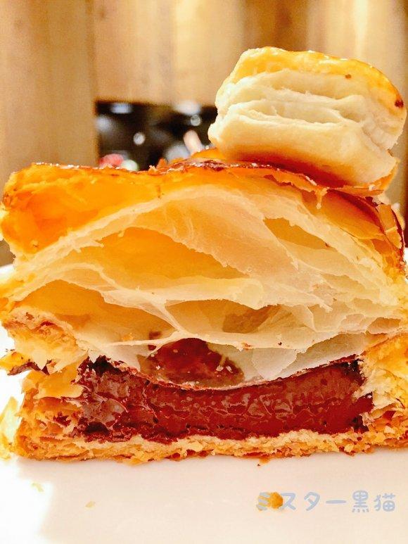 15倍の巨大パイの実!パイの実とパイ専門店のコラボが凄い!