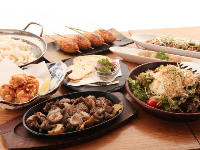 中洲の人形小路で新鮮な鶏料理を堪能!看板メニューに飲放付で3500円
