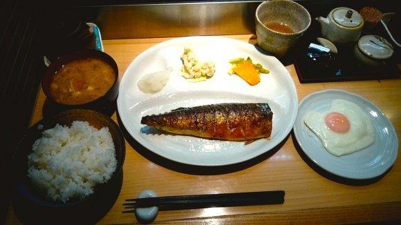 海鮮好き集合!海鮮丼からごま鯖まで、新鮮な海の幸が堪能できる店8記事