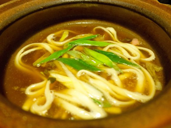 湯葉に生麩に京野菜。京都グルメたっぷりの鍋をお座敷で味わう