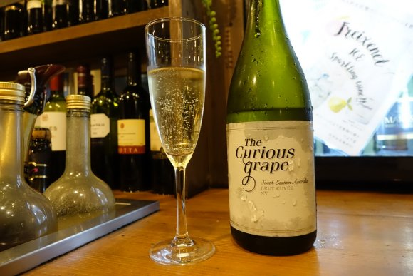ボトルワインが1480円で飲み放題!黒毛和牛焼肉も美味しいワインバル