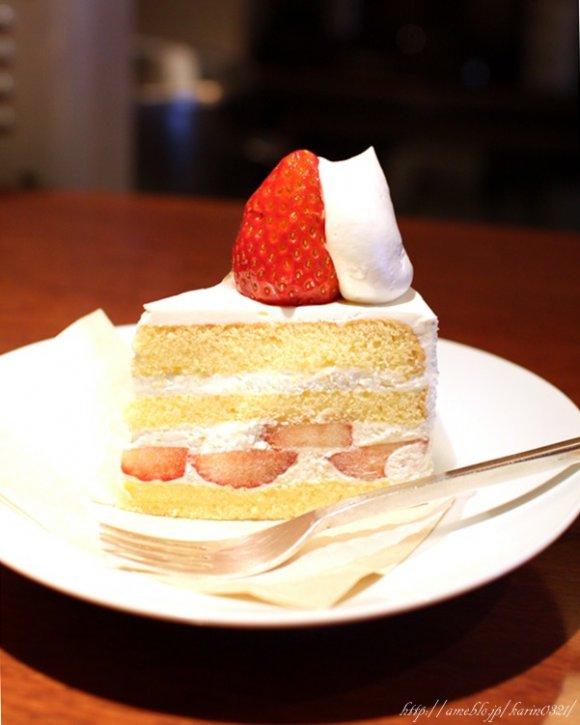 こだわりのドリップ珈琲と絶品自家製ケーキで甘美なひとときを