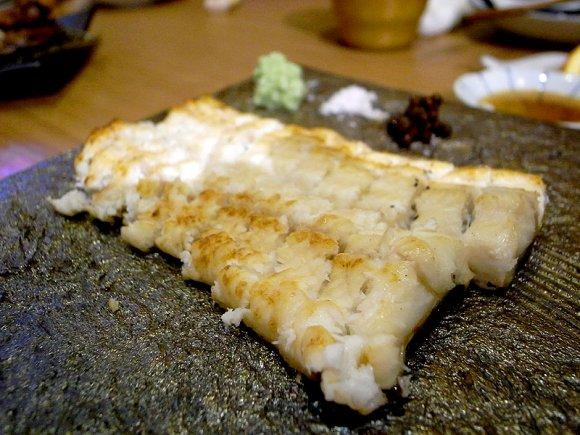 藁焼きで旨さアップ!脂がのった魚を楽しむ隠れ家@福岡 春吉