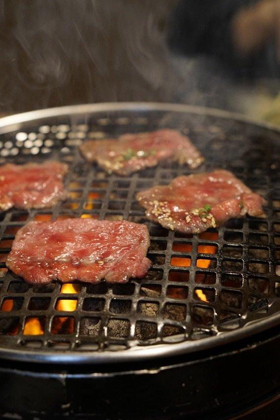 昼でも予約必須!上質なお肉を安く食べられるランチがお得な老舗焼肉店