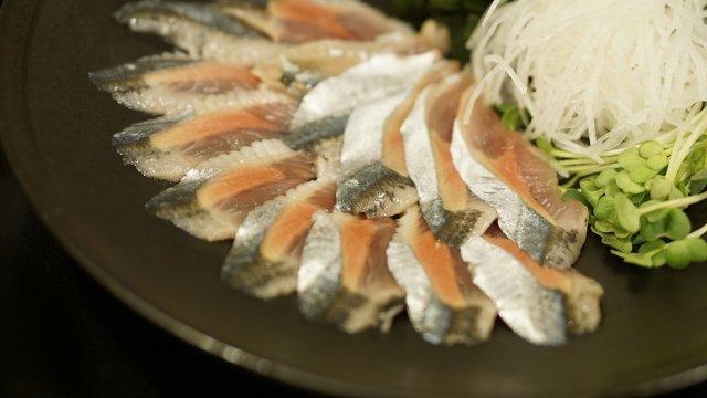 行列必至!新鮮な魚系定食が旨すぎてご飯が止まらない超人気店