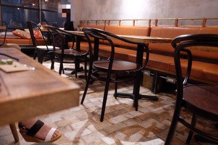 御徒町の人気カフェで味わう!エスプレッソが染み込んだ大人のティラミス
