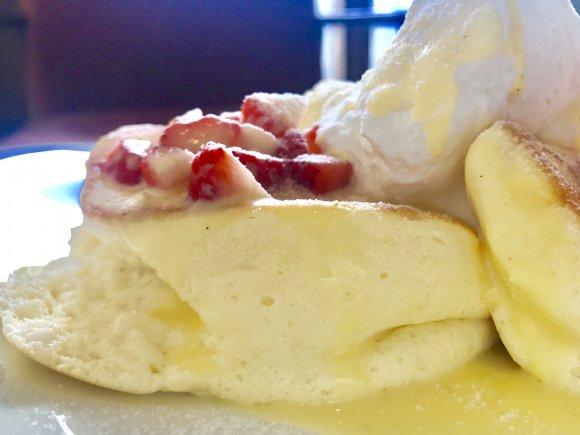 美味しさを追求した完成形!ふわしゅわの口どけに皆が夢中のパンケーキ
