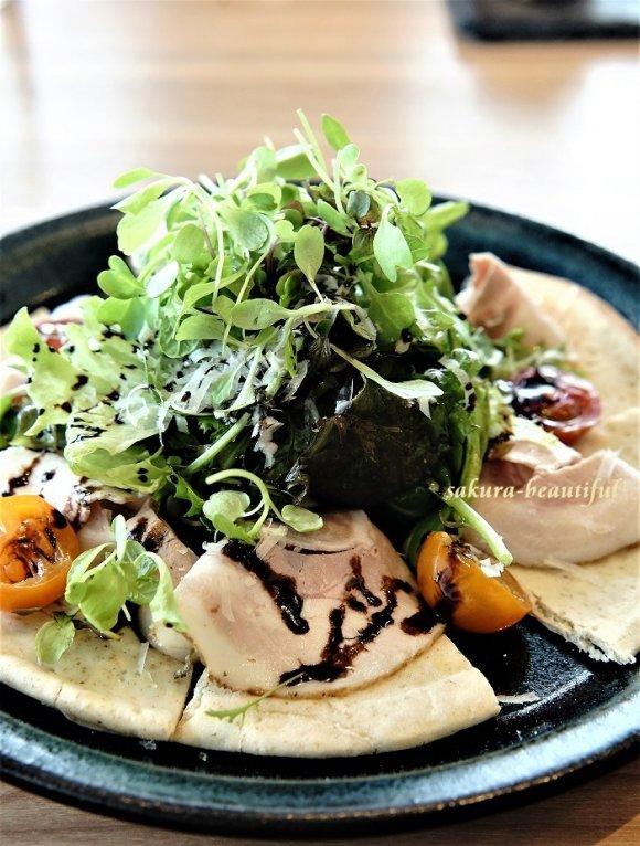 1000円で野菜パフェとフォアグラのフランも付いたコスパ抜群のランチ