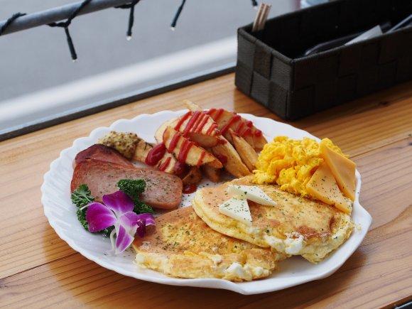 旅行のバイブルに!沖縄に行ったら食べてほしいパンケーキ5選