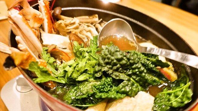 厳選食材の旨みがたっぷり!美しい夜景とともに楽しめる絶品寄せ鍋