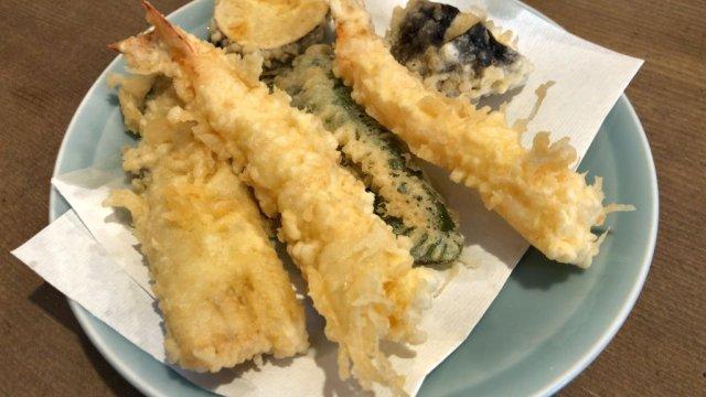 どれも1000円以下!定食も丼も旨い中野・きよしの関西風天ぷらランチ
